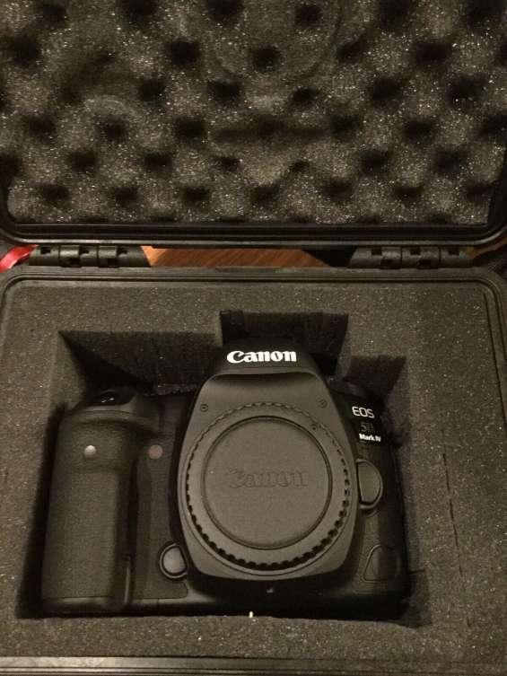 Canon eos 5d classic camera-28-135mm lente ultrasónica- whatsapp +1 8328019816